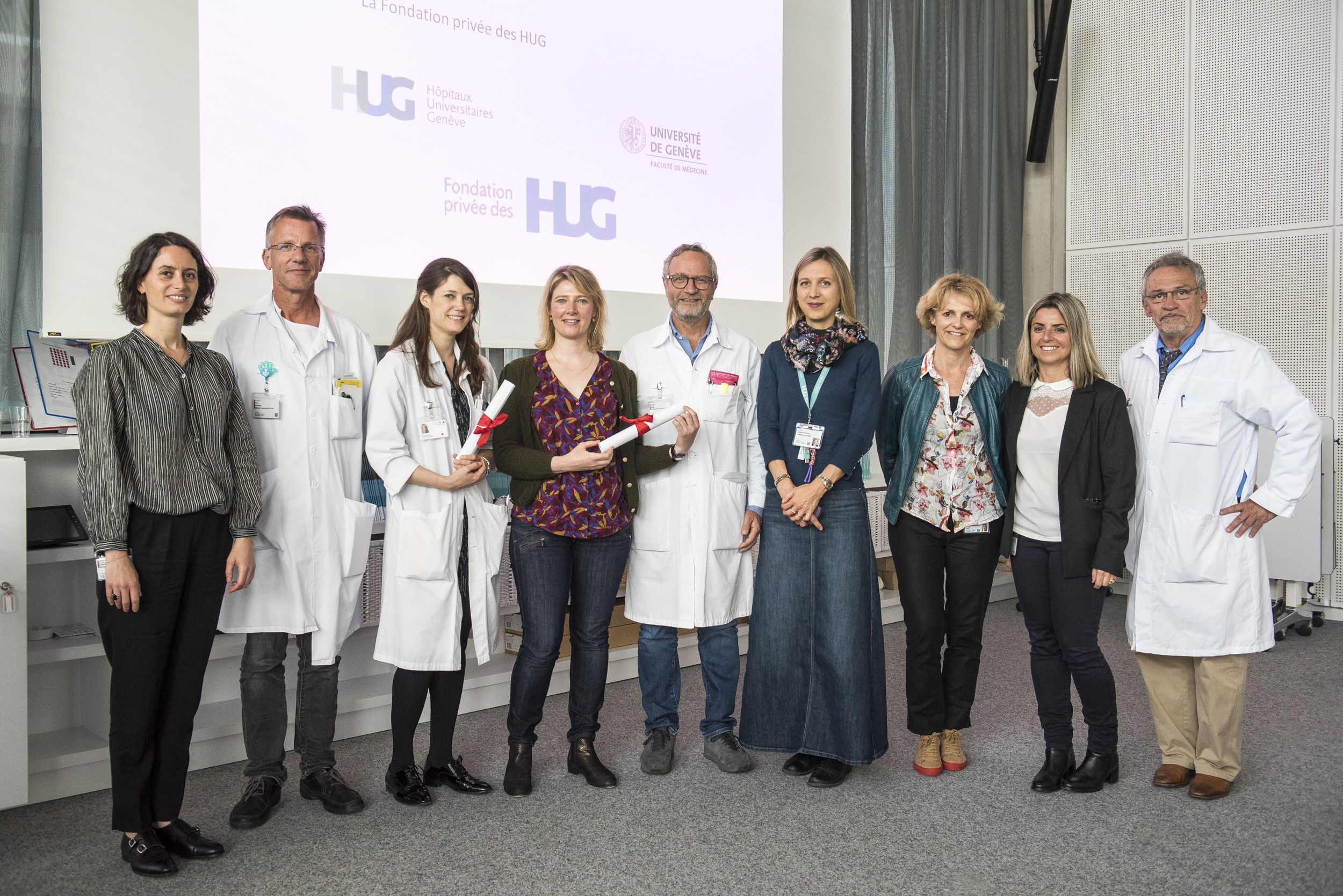 Les deux lauréates de la Journée de la recherche clinique en compagnie des organisateurs