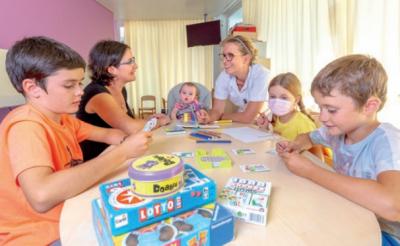 Salle de jeux dans le service de chirurgie pédiatrique