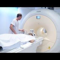 [img]Mise en exploitation clinique du PET-IRM[/img]