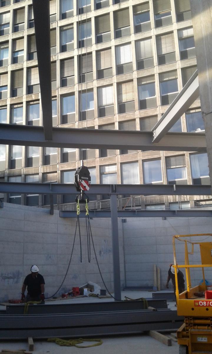 Installation de la structure métallique