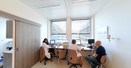 Un laboratoire qui a du souffle à Genève aux HUG