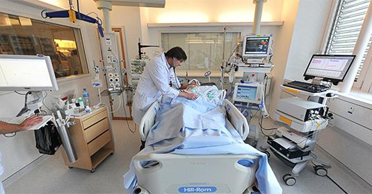 Surveillance des fonctions vitales aux soins intensifs à Genève aux HUG